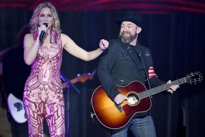 Sugarland, Mary Chapin Carpenter & Tenille Townes at Jones Beach Theater